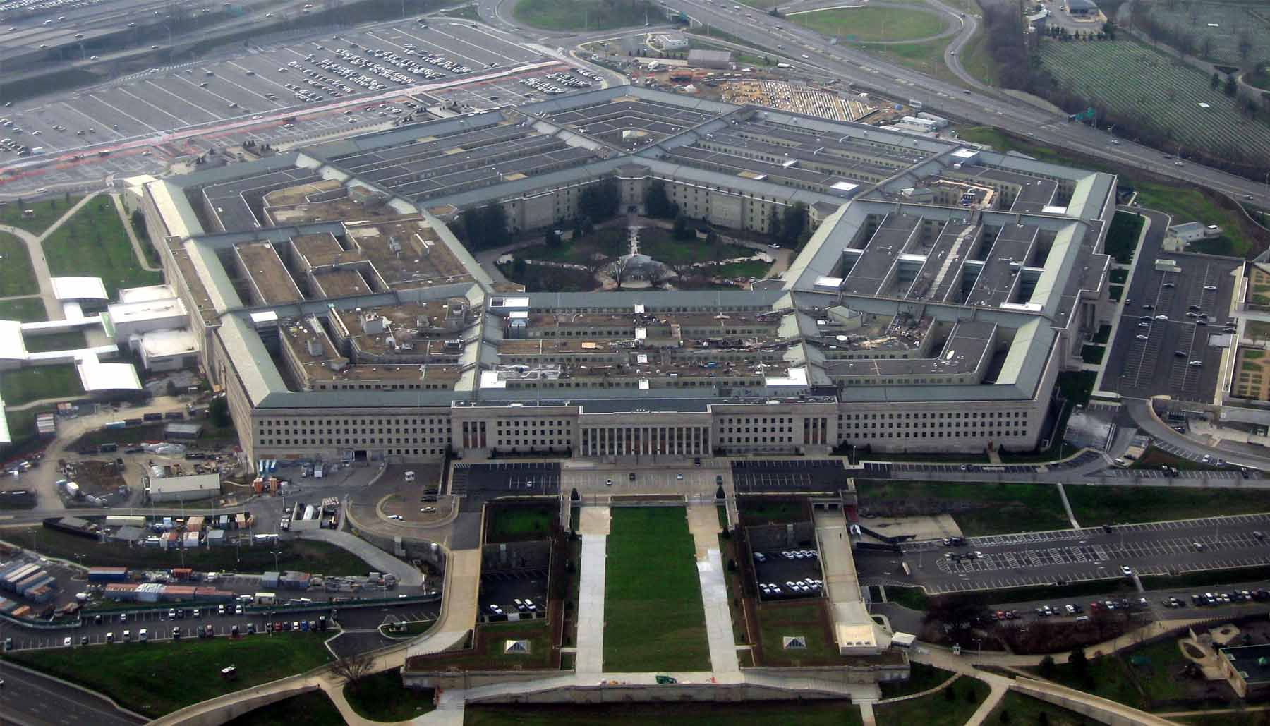 CNBC – Pentagon woos Silicon Valley talent